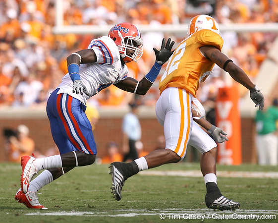 photo by Tim Casey<br /> <br /> Florida junior cornerback Wondy Pierre-Louis covers Lucas Taylor during the first half of the Gators' game against the Tennessee Volunteers on Saturday, September 20, 2008 at Neyland Stadium in Knoxville, Tenn.