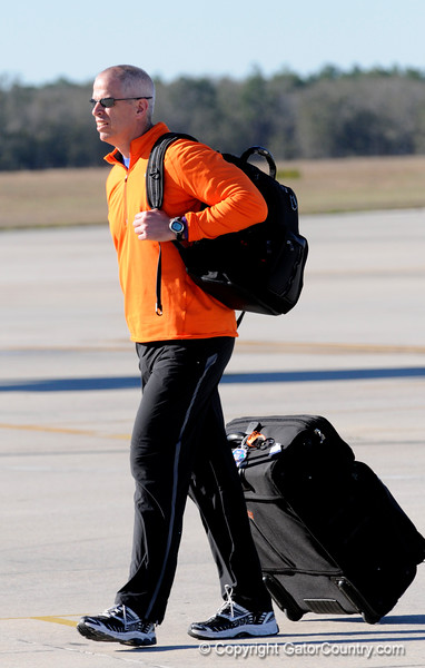 (Casey Brooke Lawson / Gator Country) Jeremy Foley walks off an airplane the Gainesville Regional Airport in Gainesville, Fla., on January 9, 2009.