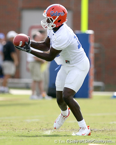 photo by Tim Casey<br /> <br /> Dee Finley works out during the Gators' first day of spring football practice on Wednesday, March 25, 2009 at the Sanders football practice fields in Gainesville, Fla.