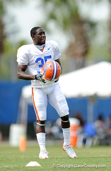 Ahmad Black takes a break as the University of Florida football team holds their third Spring practice on Saturday, March 28, 2009 in Gainesville, Fla. / Gator Country photo by Staff