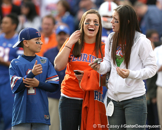 Nate and Nicki Meyer talk during the Senior Day ceremony before the Gators' 37-10 win against Florida State on Saturday, November 28, 2009 at Ben Hill Griffin Stadium in Gainesville, Fla. / Gator Country photo by Tim Casey