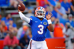 Florida Gators quarterback Treon Harris warms up during pre-game.  Florida Gators vs Missouri Tigers.  October 18th, 2014. Gator Country photo by David Bowie.