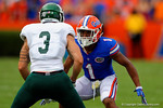 Florida Gators defensive back Vernon Hargreaves, III lines up across Eastern Michigan wide receiver Dustin Creel.  Florida Gators vs Eastern Michigan Eagles.  September 6th, 2014. Gator Country photo by David Bowie.