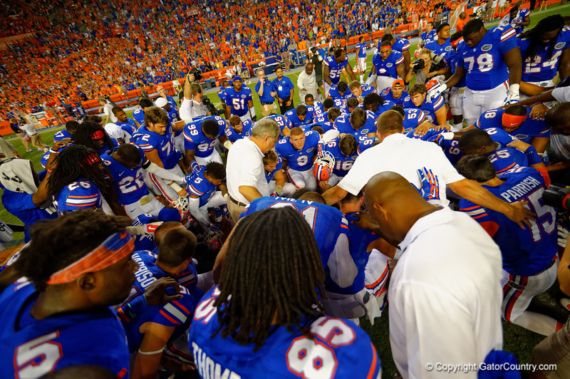 The Florida Gators hold off the Kentucky Wildcats 36-30 in triple overtime in their SEC opener.