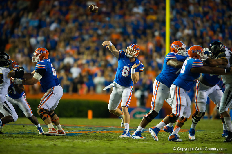 Florida Gators quarterback Jeff Driskel throws downfield during the second quarter.  Florida Gators vs Missouri Tigers.  October 18th, 2014. Gator Country photo by David Bowie.