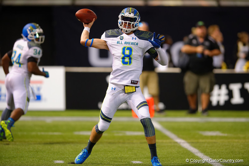 Team Highlight QB Blake Barnett throwing to the flat in the fourth quarter.  2015 Under Armour All-America High School Football Game.  January 2nd, 2015. Gator Country photo by David Bowie.