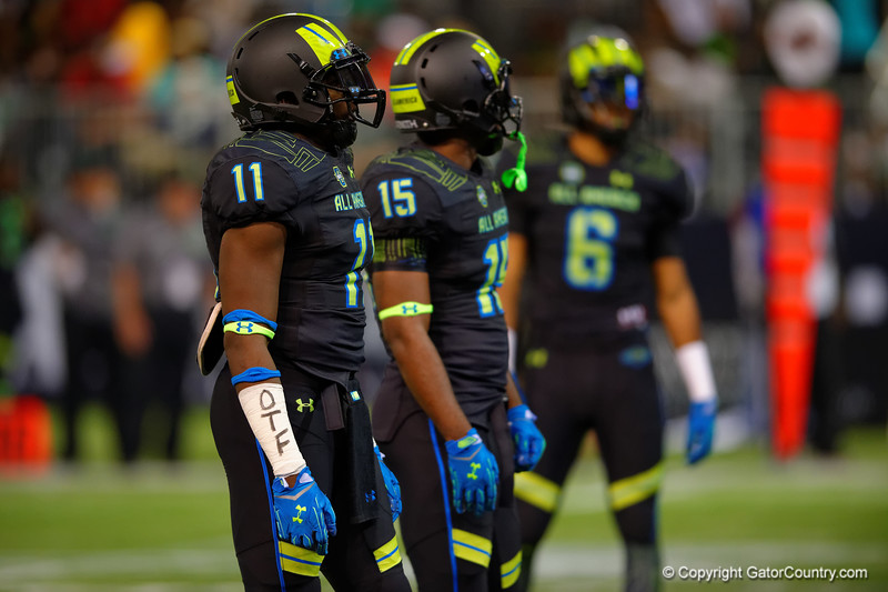 Team Armour OLB Jeffery Holland lines up for a snap.  2015 Under Armour All-America High School Football Game.  January 2nd, 2015. Gator Country photo by David Bowie.