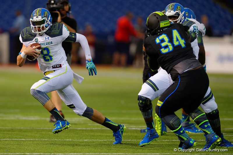Team Highlight QB Blake Barnett scrambles out of the pocket.  2015 Under Armour All-America High School Football Game.  January 2nd, 2015. Gator Country photo by David Bowie.