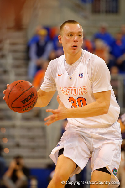 Florida Gators forward Jacob Kurtz dribbles down court during the first half.  Florida Gators vs Tennessee Vols.  February 28th, 2015. Gator Country photo by David Bowie.