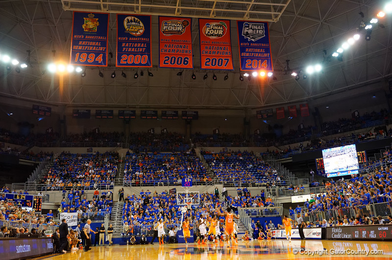 An overview from the bottom of the court during the second half.  Florida Gators vs Tennessee Vols.  February 28th, 2015. Gator Country photo by David Bowie.