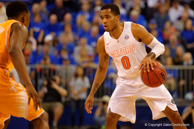 Florida Gators guard Kasey Hill dribbles down court during the first half.  Florida Gators vs Tennessee Vols.  February 28th, 2015. Gator Country photo by David Bowie.