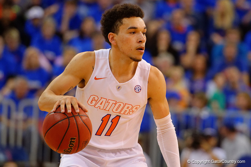 Florida Gators guard Chris Chiozza dribbling in the offensive zone during the second half.  Florida Gators vs Tennessee Vols.  February 28th, 2015. Gator Country photo by David Bowie.
