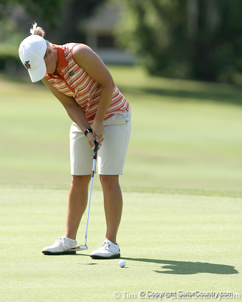 Florida sophomore Jessica Yadloczky putts on the 18th hole during the first round of the NCAA Women's Golf East Regional on Thursday, May 7, 2009 at the Mark Bostick Golf Course in Gainesville, Fla. / Gator Country photo by Tim Casey