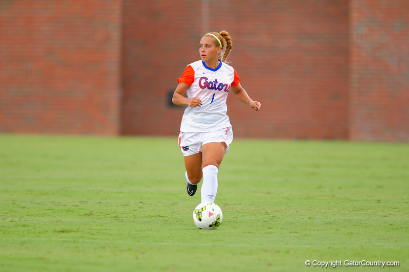 The  No. 7 Florida Gators soccer team defeat the Missouri Tigers 3-1.
