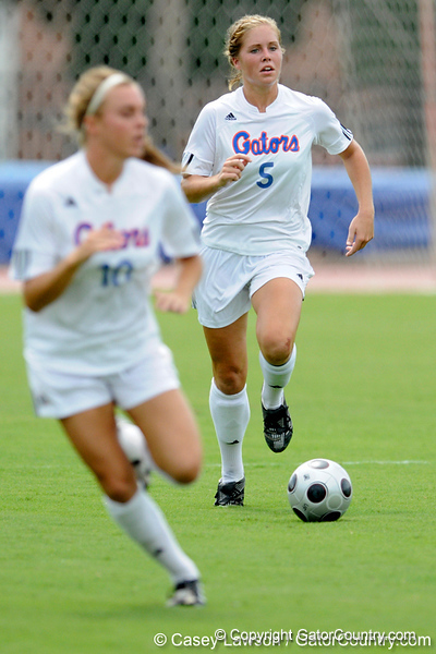photo by Casey Brooke Lawson<br /> <br /> Florida junior defender Lauren Hyde dribbles upfield during the Gators' 2-1 win against the Kansas Jayhawks on Sunday, September 21, 2008 at James G. Pressly Stadium in Gainesville, Fla.