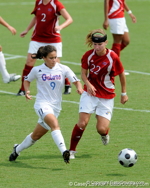 photo by Casey Brooke Lawson<br /> <br /> Florida freshman midfielder Tahnai Annis makes a pass during the Gators' 2-1 win against the Kansas Jayhawks on Sunday, September 21, 2008 at James G. Pressly Stadium in Gainesville, Fla.