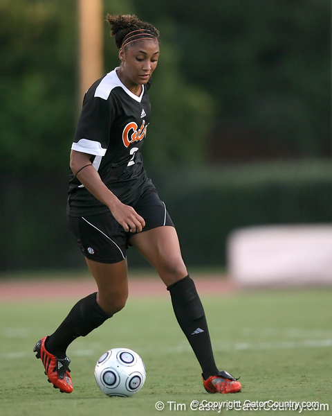 Florida senior midfielder Ashlee Elliott controls the ball during the Gators' 3-0 win against the Florida International Golden Panthers on Friday, August 28, 2009 at James G. Pressly Stadium in Gainesville, Fla / Gator Country photo by Tim Casey