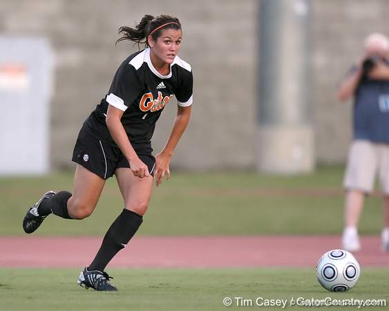 Florida freshman forward/ midfielder Brooke Thigpen looks to pass during the first half of the Gators' 3-0 win against the Florida International Golden Panthers on Friday, August 28, 2009 at James G. Pressly Stadium in Gainesville, Fla / Gator Country photo by Tim Casey