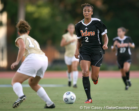Florida senior midfielder Ashlee Elliott runs with the ball during the Gators' 3-0 win against the Florida International Golden Panthers on Friday, August 28, 2009 at James G. Pressly Stadium in Gainesville, Fla / Gator Country photo by Tim Casey