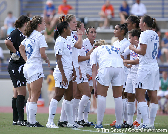 photo by Tim Casey<br /> <br /> Florida senior midfielder/forward Ameera Abdullah during the first half of the Gators' 3-0 win against the Mississippi State Bulldogs on Sunday, October 12, 2008 at James G. Pressly Stadium in Gainesville, Fla.