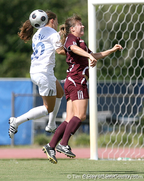 photo by Tim Casey<br /> <br /> Florida freshman forward/midfielder Lauren Ray during the first half of the Gators' 3-0 win against the Mississippi State Bulldogs on Sunday, October 12, 2008 at James G. Pressly Stadium in Gainesville, Fla.