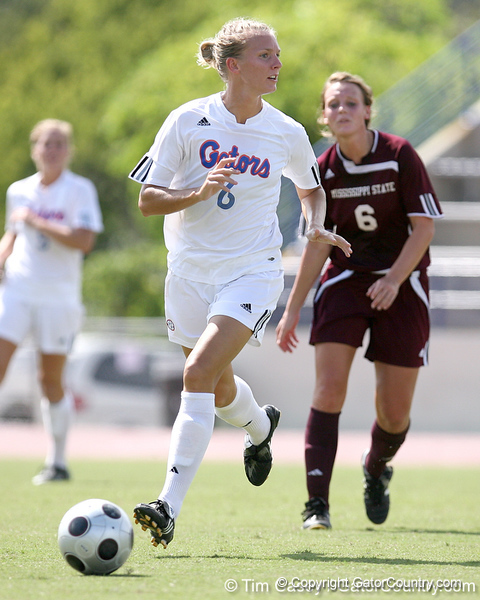 photo by Tim Casey<br /> <br /> Florida junior midfielder Jessica Eicken during the first half of the Gators' 3-0 win against the Mississippi State Bulldogs on Sunday, October 12, 2008 at James G. Pressly Stadium in Gainesville, Fla.