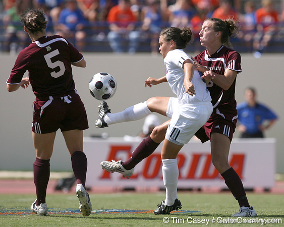 photo by Tim Casey<br /> <br /> Florida freshman midfielder Tahnai Annis during the first half of the Gators' 3-0 win against the Mississippi State Bulldogs on Sunday, October 12, 2008 at James G. Pressly Stadium in Gainesville, Fla.