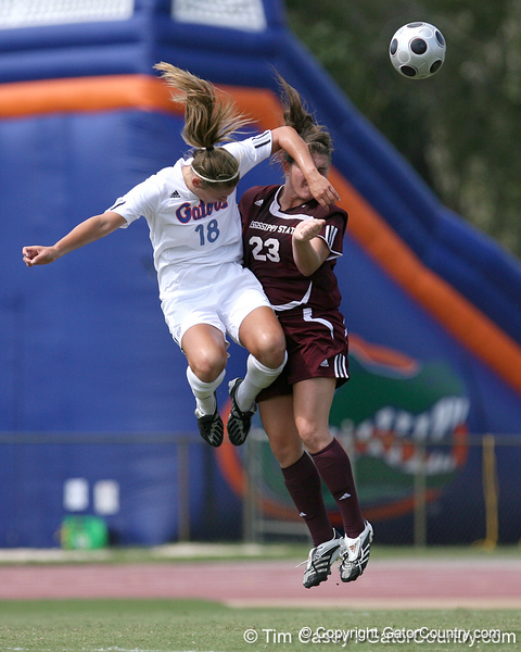 photo by Tim Casey<br /> <br /> Florida midfielder/forward Lindsay Thompson during the first half of the Gators' 3-0 win against the Mississippi State Bulldogs on Sunday, October 12, 2008 at James G. Pressly Stadium in Gainesville, Fla.