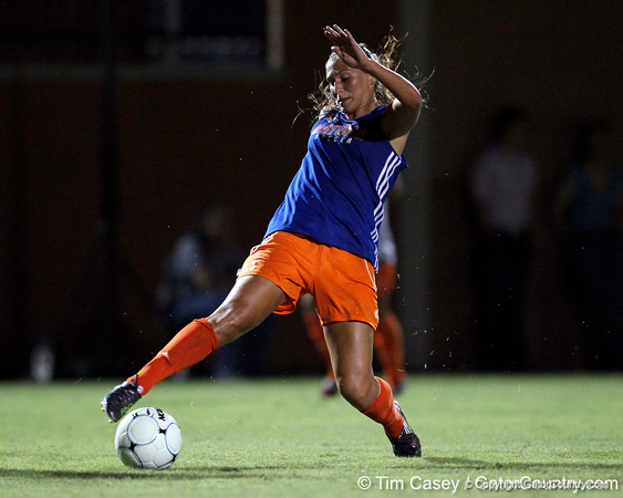 Florida senior forward/midfielder Lindsay Thompson passes the ball during the Gators' Orange & Blue Scrimmage on Friday, August 12, 2011 at the UF Lacrosse/Soccer Facility in Gainesville, Fla. / Gator Country photo by Tim Casey