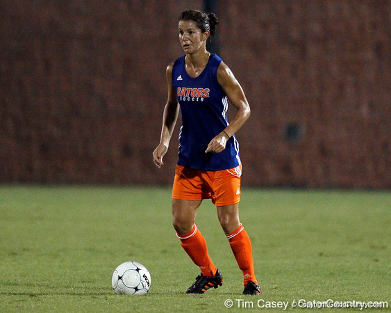 Florida junior defender Jo Dragotta controls the ball during the Gators' Orange & Blue Scrimmage on Friday, August 12, 2011 at the UF Lacrosse/Soccer Facility in Gainesville, Fla. / Gator Country photo by Tim Casey