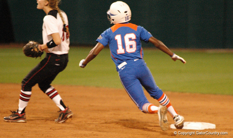 ... Michelle Moultrie arrives at 2nd Base as the UGA defense makes a play on a ground ball to 3rd Base ....