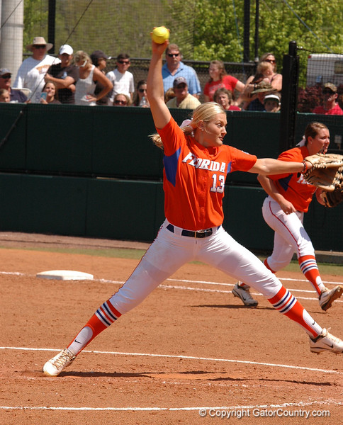 Hannah Rogers delivers pitch in the 3rd Inning