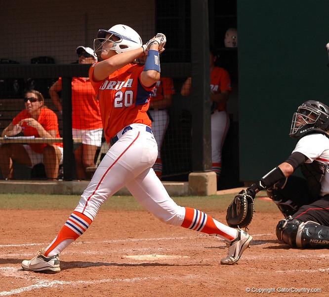 Kelsey Horton's 5th Inning hit is good for 2 RBI