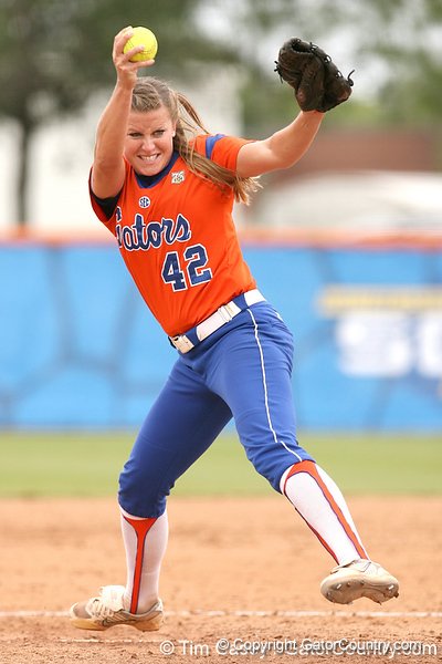 080419_NelsonStacey_0128_TCasey<br /> <br /> photo by Tim Casey<br /> <br /> during the no. 3-ranked Florida Gators' sweep of a doubleheader against the Kentucky Wildcats on Saturday, April 19, 2008 at Katie Seashole Pressly Softball Stadium in Gainesville, Fla. UF improved to 50-2 on the season.
