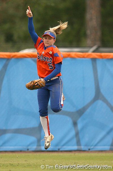 080419_WaleszoniaKim_0670_TCasey<br /> <br /> photo by Tim Casey<br /> <br /> during the no. 3-ranked Florida Gators' sweep of a doubleheader against the Kentucky Wildcats on Saturday, April 19, 2008 at Katie Seashole Pressly Softball Stadium in Gainesville, Fla. UF improved to 50-2 on the season.