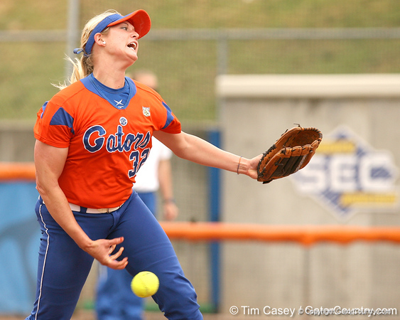 080419_BrombacherStephanie_0489_TCasey<br /> <br /> photo by Tim Casey<br /> <br /> during the no. 3-ranked Florida Gators' sweep of a doubleheader against the Kentucky Wildcats on Saturday, April 19, 2008 at Katie Seashole Pressly Softball Stadium in Gainesville, Fla. UF improved to 50-2 on the season.