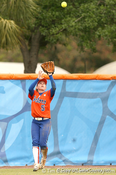 080419_WaleszoniaKim_0475_TCasey<br /> <br /> photo by Tim Casey<br /> <br /> during the no. 3-ranked Florida Gators' sweep of a doubleheader against the Kentucky Wildcats on Saturday, April 19, 2008 at Katie Seashole Pressly Softball Stadium in Gainesville, Fla. UF improved to 50-2 on the season.