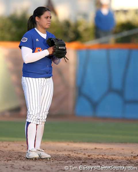 photo by Tim Casey<br /> <br /> Florida sophomore second baseman Aja Paculba gets in position during the Gators' 4-3 win in nine innings against the Florida State Seminoles on Wednesday, April 8, 2009 at Katie Seashole Pressly Softball Stadium in Gainesville, Fla.