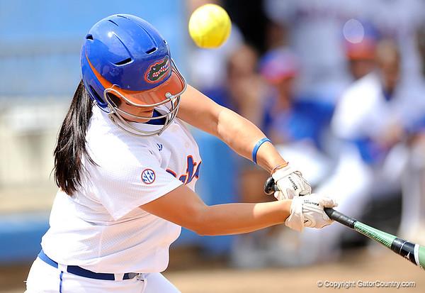 Photo Gallery: Softball vs. University of Alabama Games 1 and 2, 3/28/09