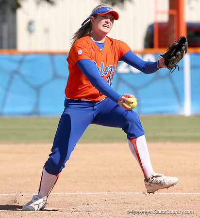 Photo Gallery: UF Softball vs. Illinois, 3/1/09