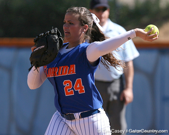 photo by Tim Casey<br /> <br /> Florida senior first baseman Ali Gardiner throws the ball around the horn after a strikeout during the fifth inning of the Gators' 1-0 loss to the Baylor Bears on Sunday, February 8, 2009 at Katie Seashole Pressly Softball Stadium in Gainesville, Fla.