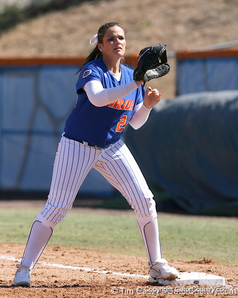 photo by Tim Casey<br /> <br /> Florida senior first baseman Ali Gardiner readies to catch a throw from the pitcher during the fifth inning of the Gators' 1-0 loss to the Baylor Bears on Sunday, February 8, 2009 at Katie Seashole Pressly Softball Stadium in Gainesville, Fla.