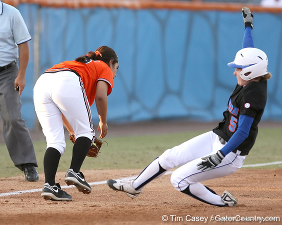 photo by Tim Casey<br /> <br /> Florida senior centerfielder Kim Waleszonia is tagged out at third base on a fielder's choice during the first inning of the Gators' 10-5 win against the Pacific Tigers on Friday, February 27, 2009 at Katie Seashole Pressly Softball Stadium in Gainesville, Fla.