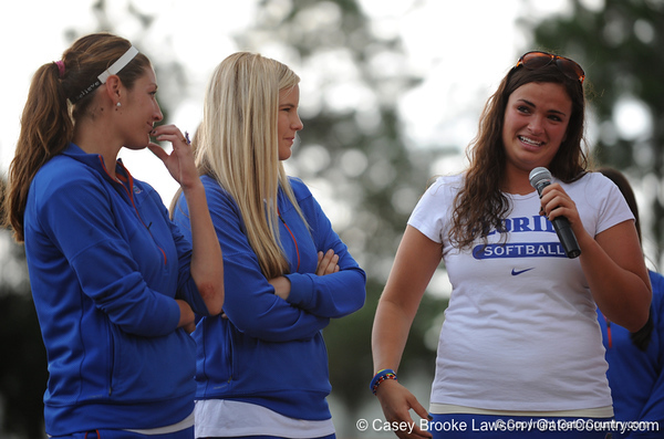 Photo Gallery: UF Softball Team Returns from Women's College World Series, 6/3/09