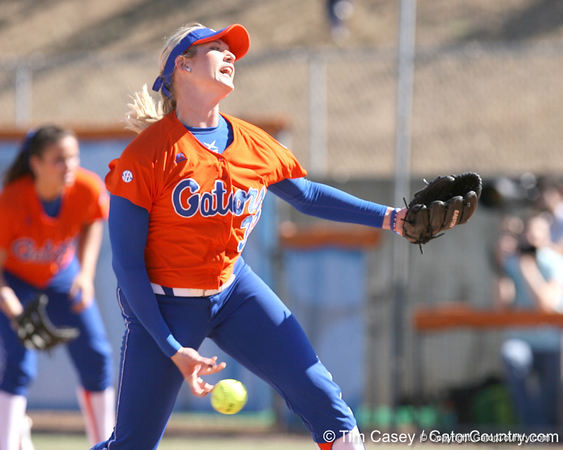 photo by Tim Casey<br /> <br /> Florida sophomore pitcher Stephanie Brombacher delivers a pitch in the fourth inning during the Gators' 8-0 win against the Baylor Bears on Saturday, February 7, 2009 at Katie Seashole Pressly Softball Stadium in Gainesville, Fla.