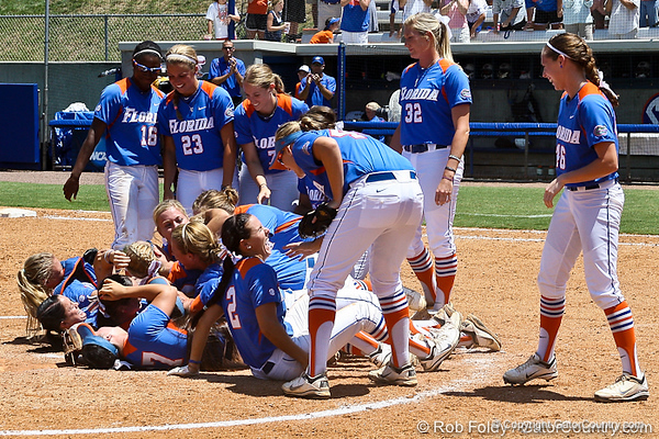 Photo Gallery: UF Softball vs. Oregon, NCAA Super Regional, 5/28/11