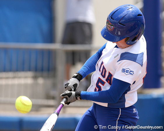 Photo Gallery: UF softball vs Auburn, 4/27/08