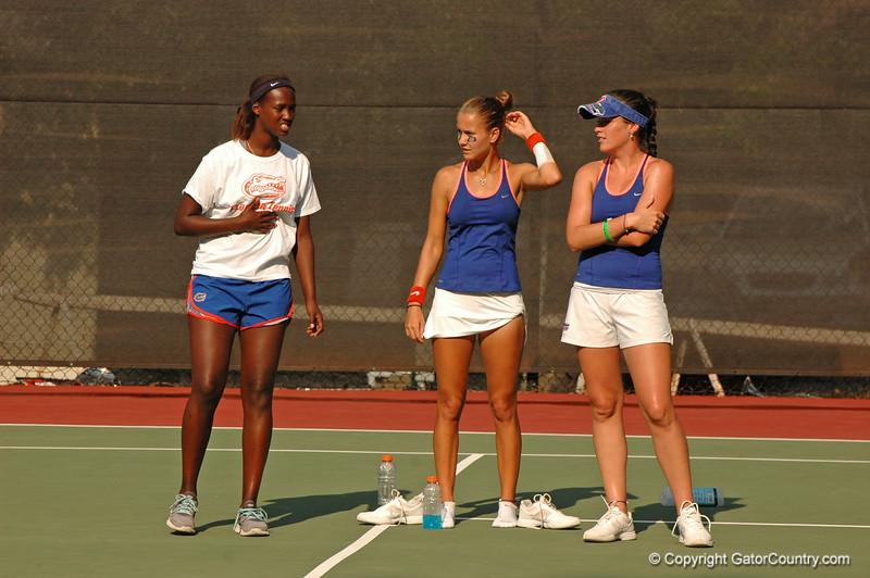 HitimanaCaroline-JanowiczOlivia_120521_NCAA SemiFinals W Tennis_UF vs Duke (901)_JackLewis