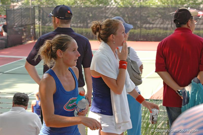 MatherJoanne-EmbreeLauren_120521_NCAA SemiFinals W Tennis_UF vs Duke (857)_JackLewis