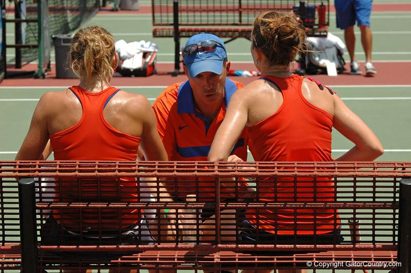 MatherJoanne-EmbreeLauren_120521_NCAA SemiFinals W Tennis_UF vs Duke (254)_JackLewis